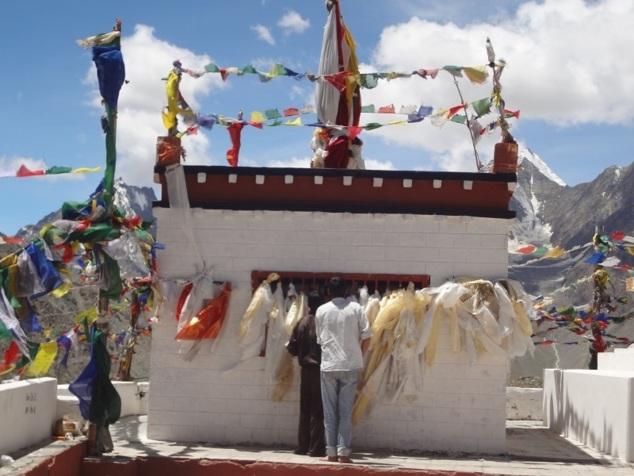 """Temple de la déesse, """"Kunzum La"""""""