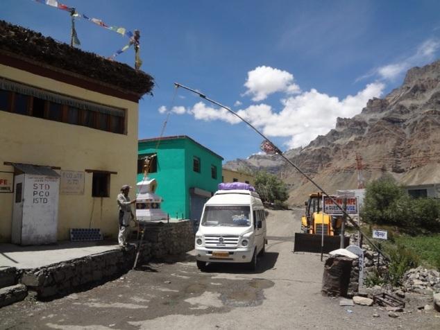 Check post - la frontière avec le Tibet et la Chine n'est pas loin ...