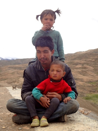 Petite famille à Langza