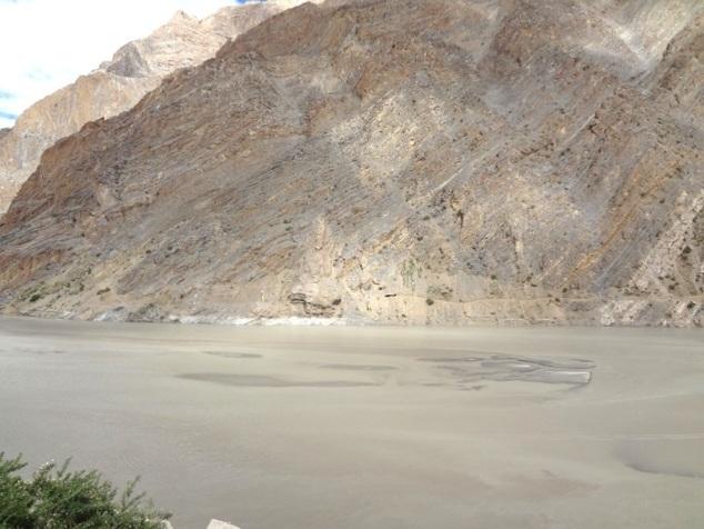 Une forme sur les rochers qui pour les dévôts représente le sage Padmasambhava