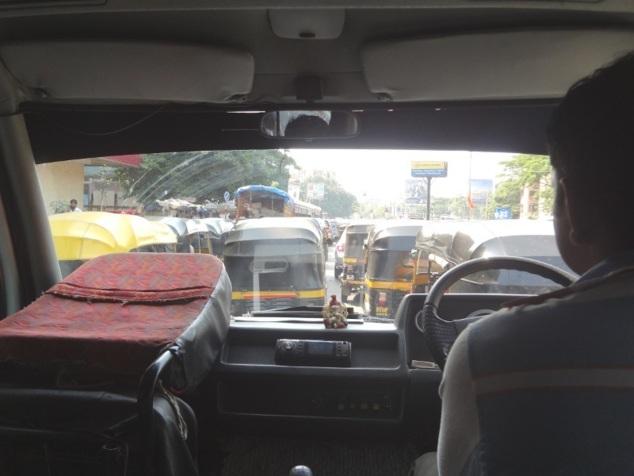 La circulation à Mumbai vue de notre minibus