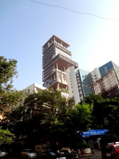 Immeuble habité par la famille de Mukesh Ambani, homme d'affaires et 19ème fortune mondiale