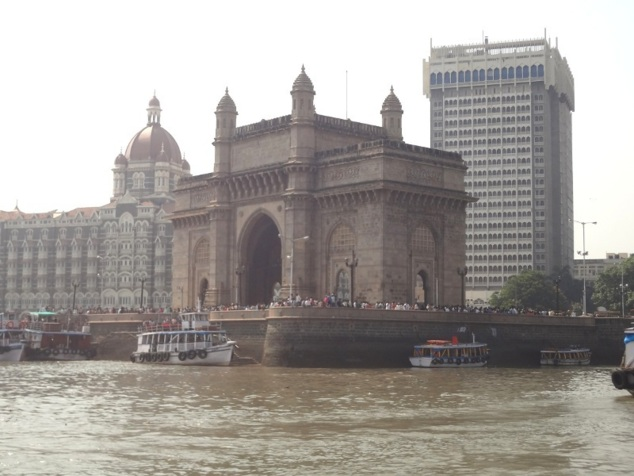 A quelques encablures de la Porte de l'Inde et du complexe hôtelier emblématique de Mumbai, le Taj ...
