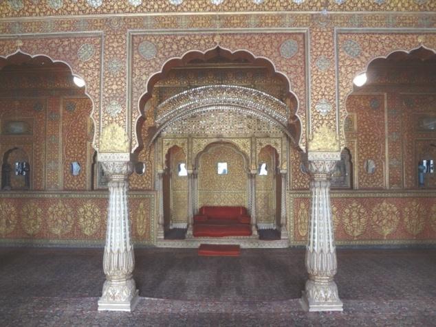 """L'Anup Mahal ou """"salle du Couronnement""""."""