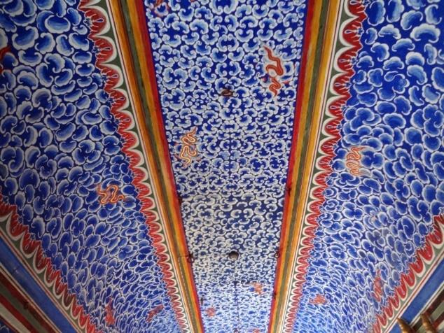 """Le plafond du Badal Vilas ou """"Palais des Nuages"""" qui est censé imité un ciel nuageux."""