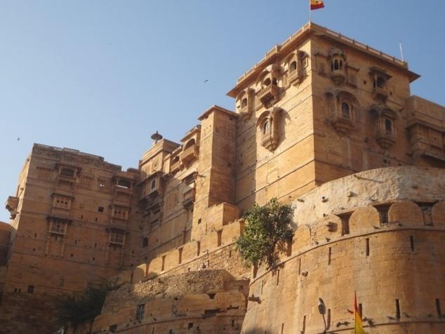 Les palais à l'intérieur du fort.