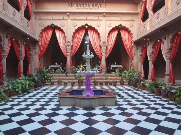 """Arrivés à Jodhpur, nous nous sommes posés dans cette magnifique """"haveli""""."""