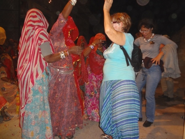 Danse entre femmes.