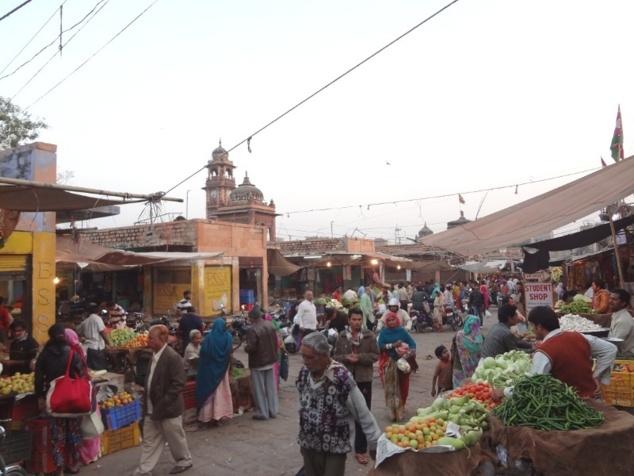 """Le marché de la vieille ville de Jodhpur, le """"Sardar Bazar""""."""