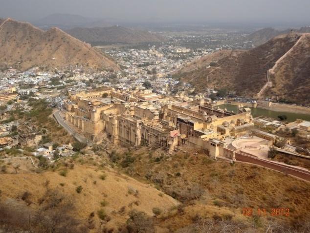 Amber avec son fort était la capitale du royaume avant la fondation de Jaipur au XVIII ème siècle.
