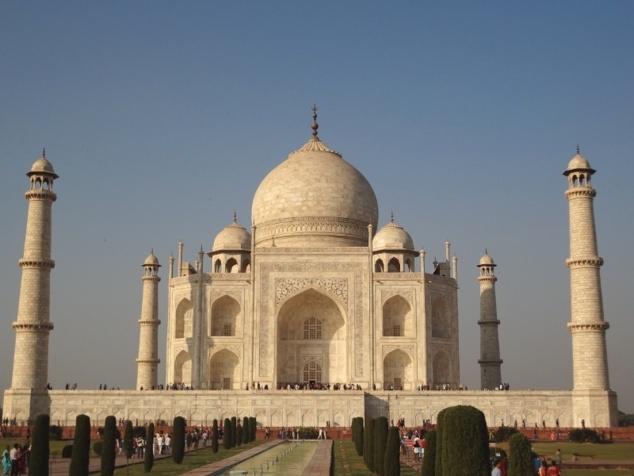 Le jardin et les salles du mausolée qui sont au nombre de huit représentent le paradis sur terre.