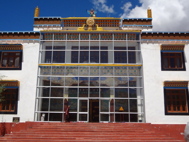 Le grand hall de prières (dakhang) du gompâ de Kungrî