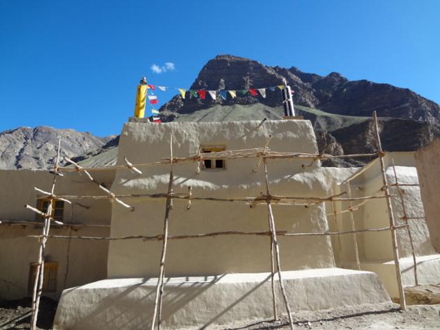 Restauration de l'extérieur du temple de Maitreya (le