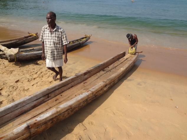 A chaque retour de pêche, l'esquif est démonté et le bois est mis à sécher.