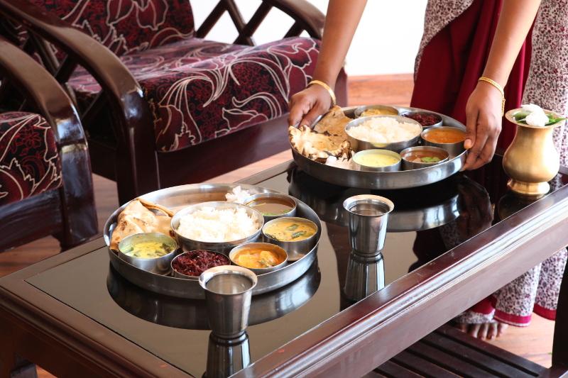 Les repas servis dans un thali
