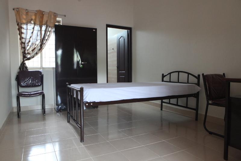 Le centre propose 3 catégories de chambre. La chambre standard est tout à fait confortable.