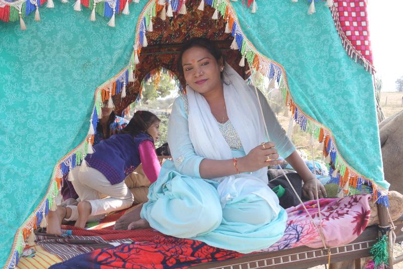 Les charrettes d'antan sont ressorties pour l'occasion pour transporter les maharanis d'un jour