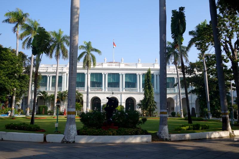 Le palais de l'actuel gouverneur du territoire de Pondichéry (qui regroupe les anciens comptoirs français).