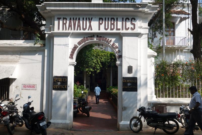 L'ancien bâtiment des travaux publics devenu une administration indienne