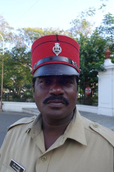 A Pondichéry les policiers portent un képi qui rappelle ceux des des soldats français