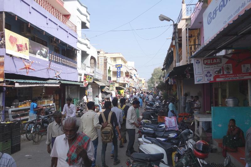Le contraste est saisissant avec les rues de la partie indienne de la ville; ici nous sommes vraiment en Inde