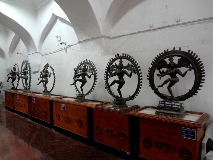 Musée de Tanjore: bronzes de Shiva dansant datant du X ème et XI ème siècle.