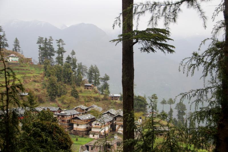 L'après-midi nous visitons un autre village